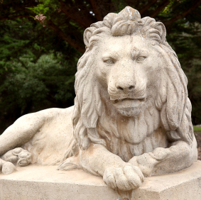 Lion Statue Painted with Garden Stone Coating